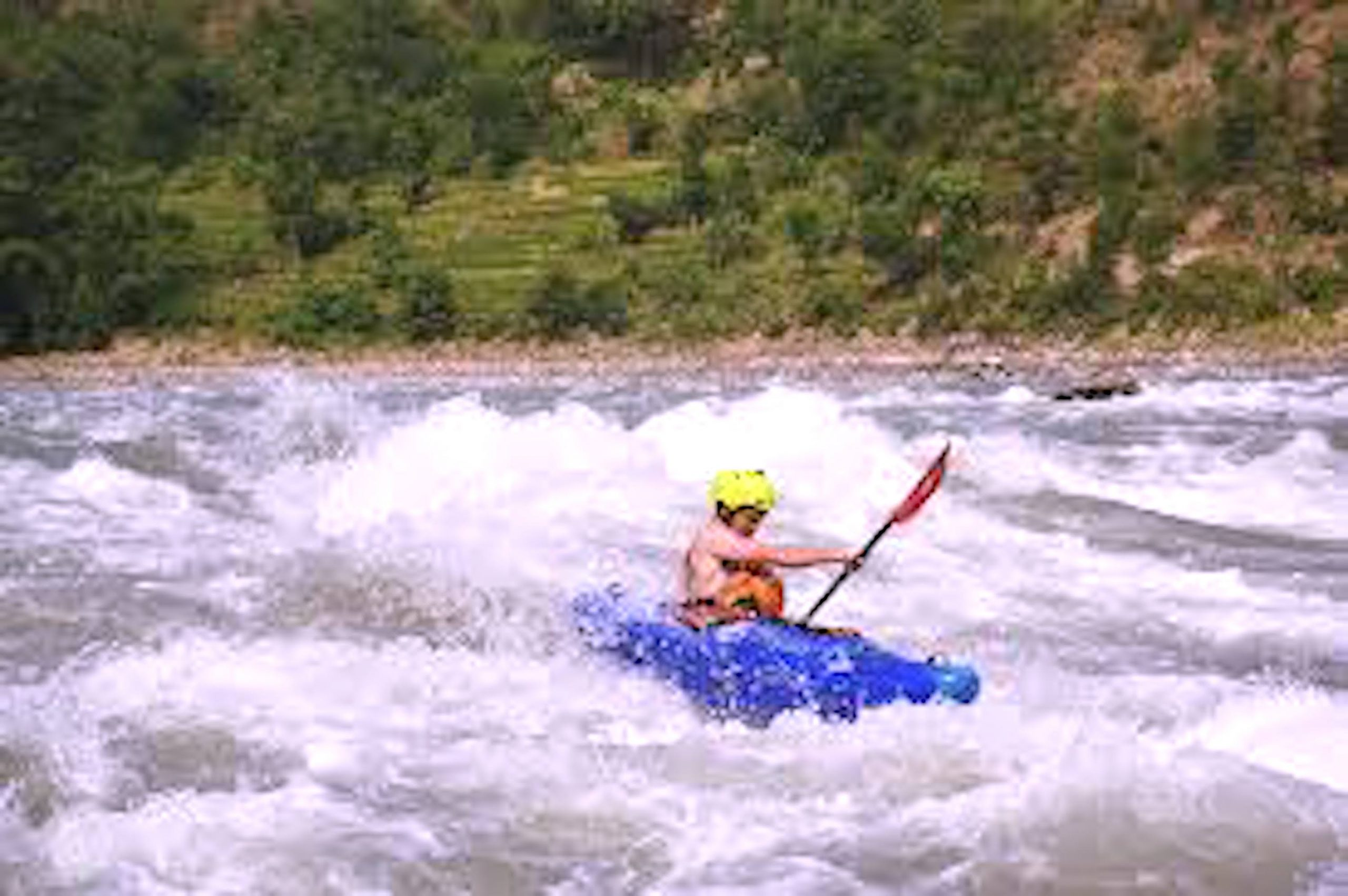 Kayaking in Nepal For Beginners to Adrenaline Junkies – Locations, Timing, Cost, & Precautions